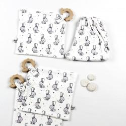 Doudou création couture pour bébé en tissus certifiés Oekotex de fabrication artisanale et soignée.
