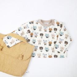 Tee_shirt les amis chéris à offrir pour un cadeau de naissance avec le petit sac pratique.