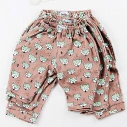 Création originale pour ce pantalon jersey de coton bio spécial bébé