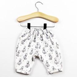Pantalon création couture pour bébé en tissu certifié bio de fabrication artisanale et soignée.