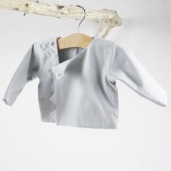 Création originale pour cette petite veste de coton bio spécial bébé