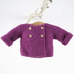 petit haut tricoté main fushia en laine naturelle 100% Gots