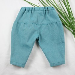 Création originale pour ce pantalon jean bio spécial bébé