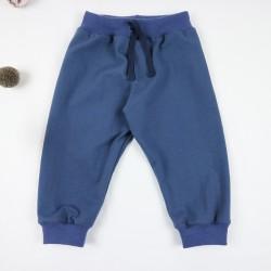 Pratique et confortable petit pantalon en coton organic uni fabriqué en France.