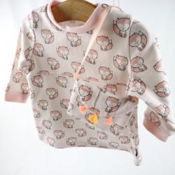 Petite robe craquante avec le sac à main et le bandeau assorti, en matières naturelles.