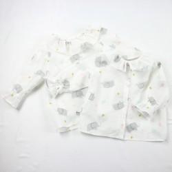Chemise bébé boutonnée dos  pour un cadeau de naissance bio.