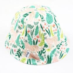 Matière naturelle 100% bio pour ce chapeau de soleil bébé motif jungle.