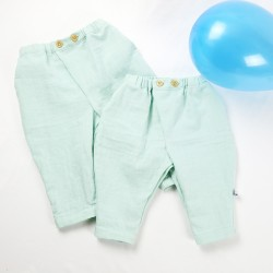 Pantalons bébé mixtes fabrication française et artisanale, modèles uniques.