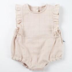 élégante barboteuse à volant pour bébé fille en lange de coton nude