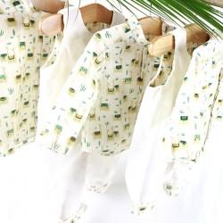 Petite chemise tendance en coton bio motifs lamas, original et écolo pour un bébé mode.