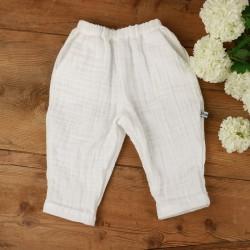 Original le pantalon Milo en tissu bio, léger et doux pour l'été.