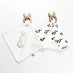 Création originale pour ce produit en jersey de coton et tencel bio spécial bébé.