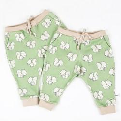 Un cadeau de naissance original en jersey écolo, pantalon écureuils, pratique et naturel!