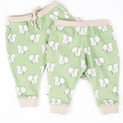 Pantalon écureuils une création couture pour bébé en tissus certifiés bio de fabrication artisanale et soignée.